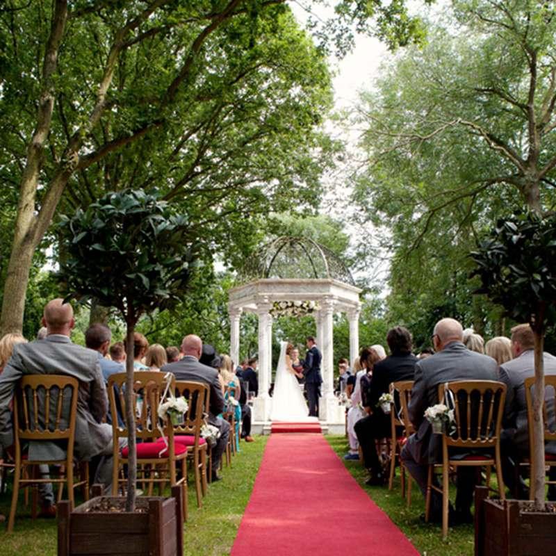 White Marble Gazebo Wedding Decoration with Iron Top